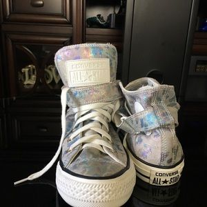 CONVERSE ALL-STAR HI TOP WITH STRAP